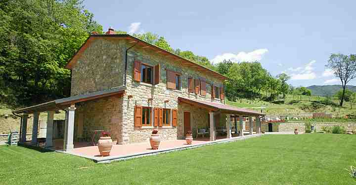 Details Casalina All Properties in Tuscany Casentino